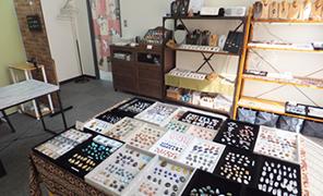 ガザル 大阪 心斎橋 マクラメアクセサリー教室 & 天然石ルースのお店